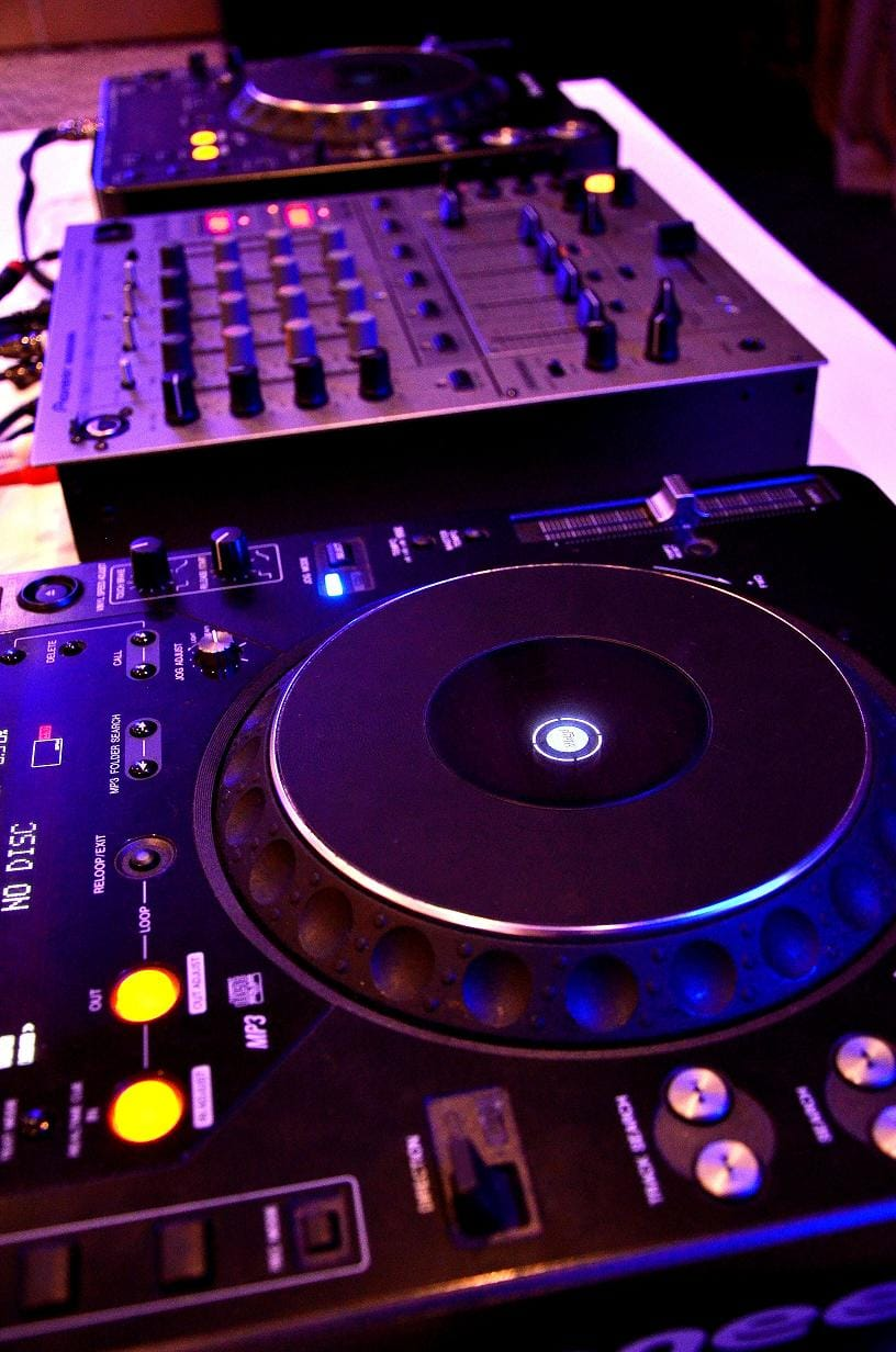 Party hire - Quality Dj gear for your event - turntables, CDjs, mixers and sound systems